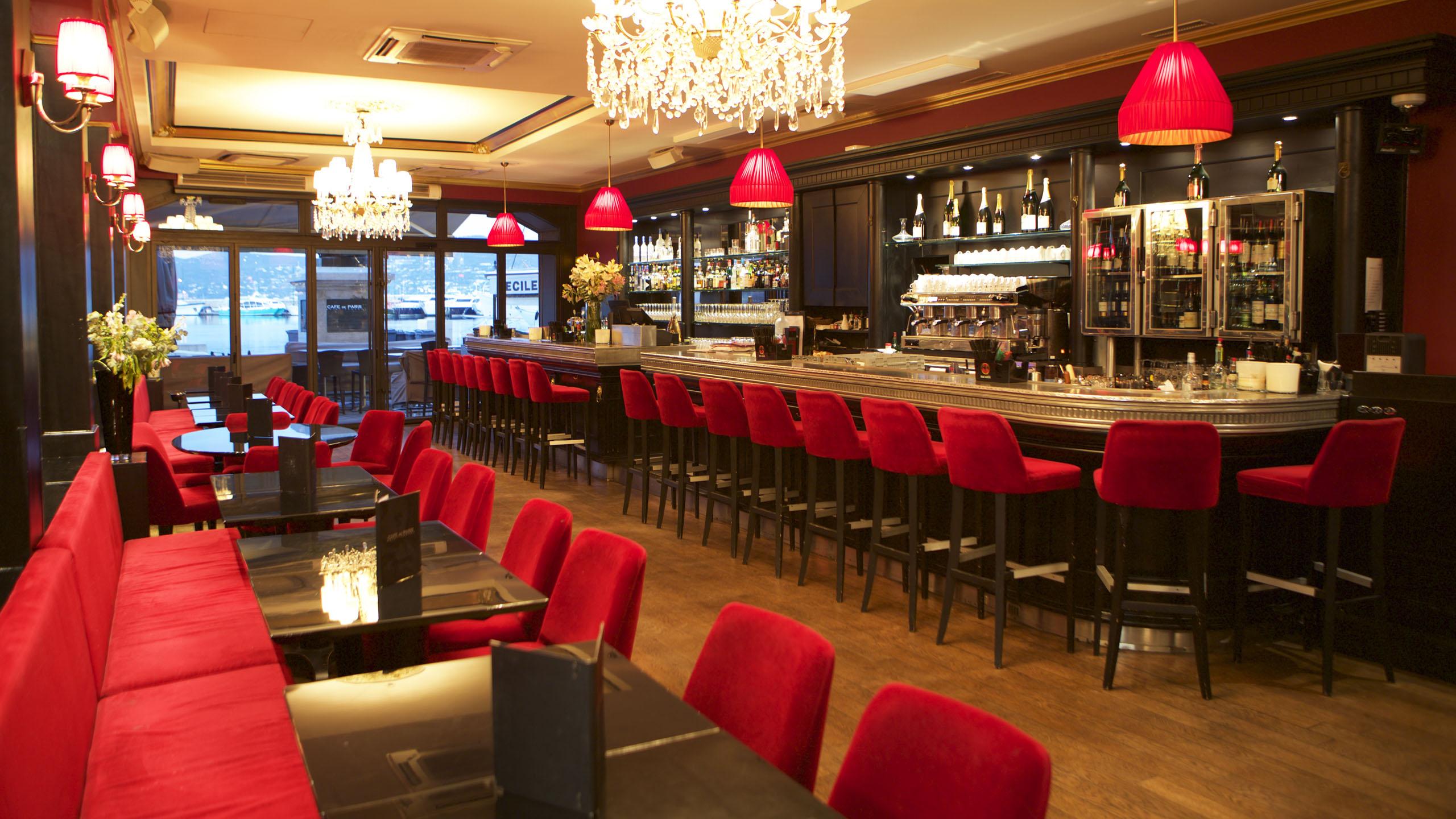 intérieur café de paris